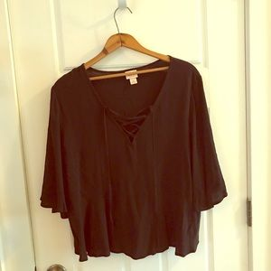 Short sleeve swing top